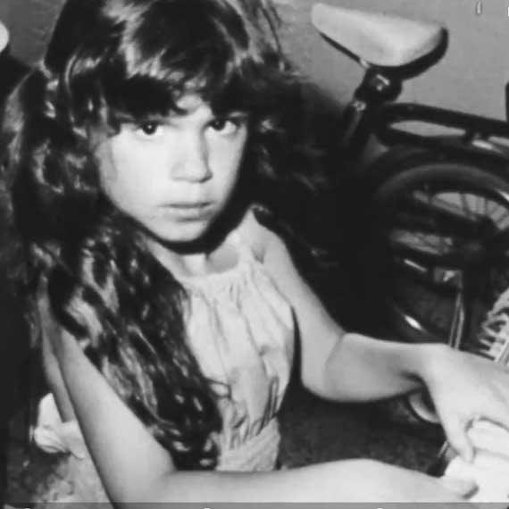 לילך גליקסמן, מתוך קליפ 'זהירות בדרכים', 1979